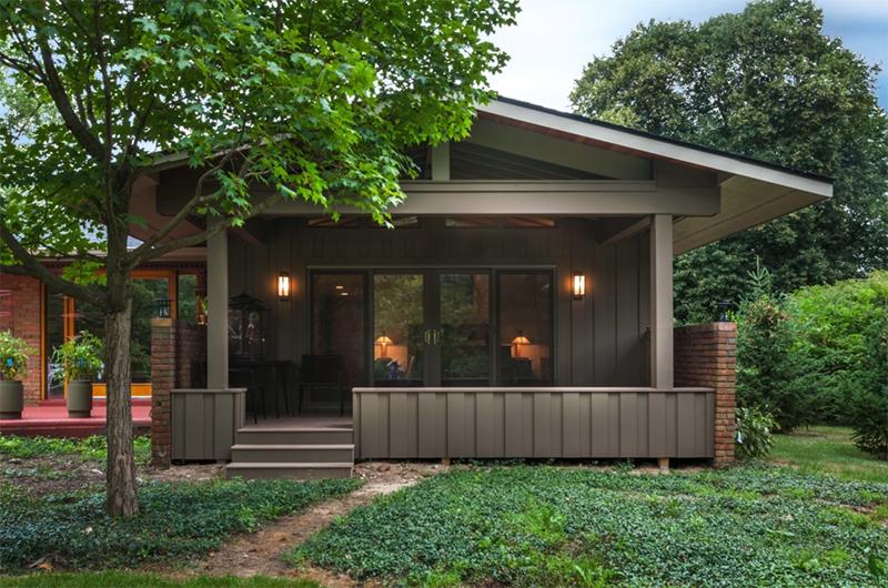 Frank Lloyd Wright-inspired ranch