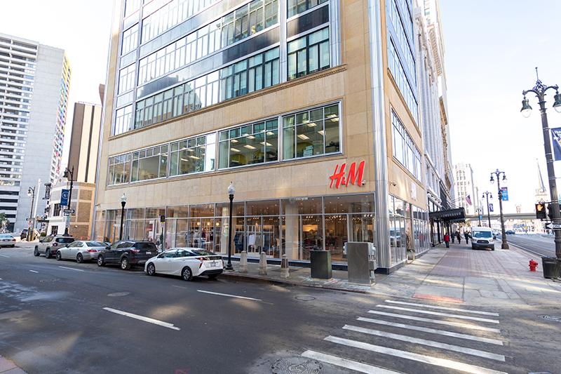 H&M Detroit location