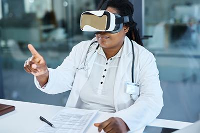 doctor using virtual reality headset
