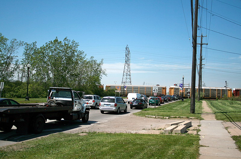 Canadian National rail crossing on Allen Road in Woodhaven