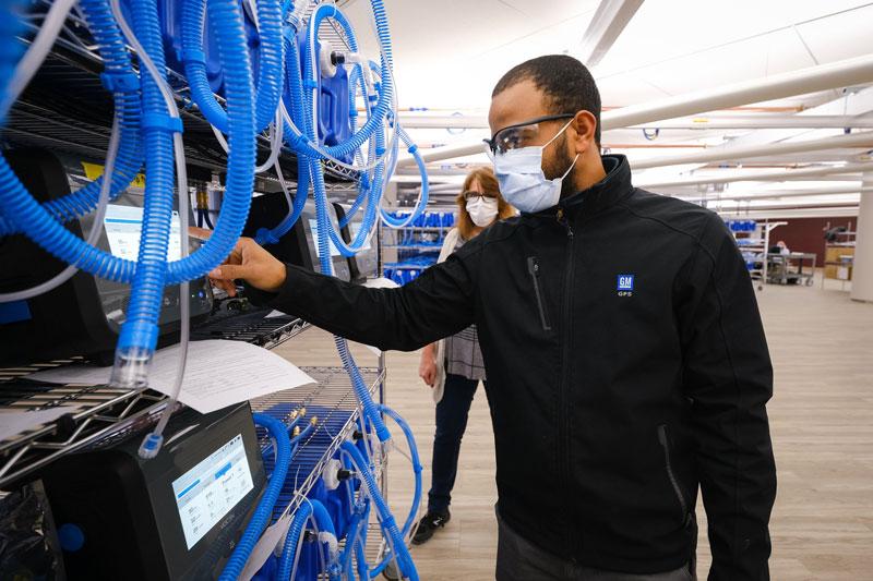 GM worker making ventilators