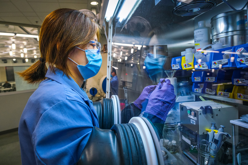 worker developing the Ultium Cell platform