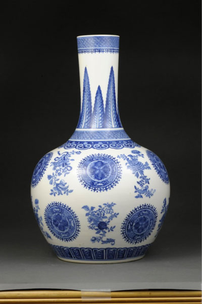 Chinese vase in the University of Michigan Museum of Art's collection