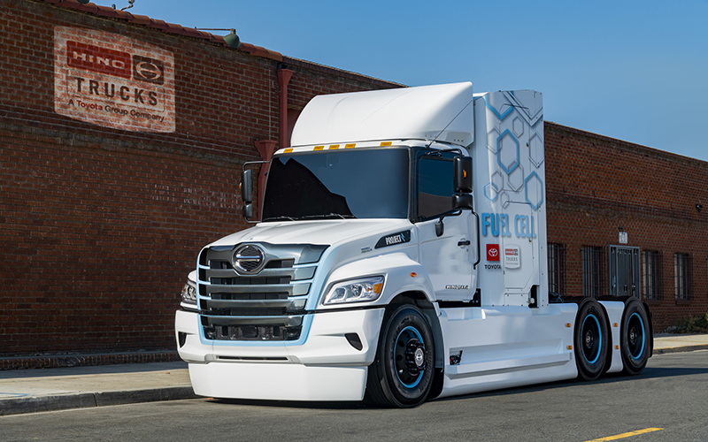 HINO TRUCKS FIRST XL8 FUEL CELL ELECTRIC TRUCK PROTOTYPE
