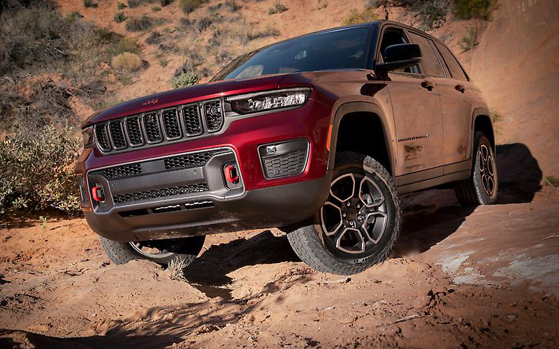 The Trailhawk is one variant is Jeep's 2022 Grand Cherokee lineup. // Courtesy of Stellantis