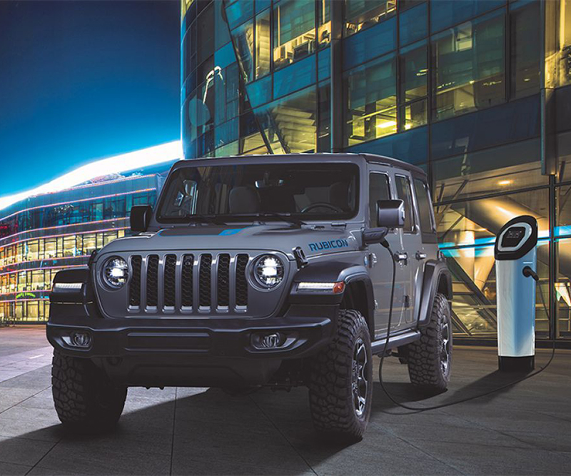 a jeep wrangler 4xe charging its battery