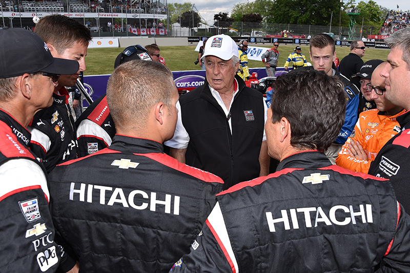 Pep Talk - Roger Penske offers words of encouragement to his race team prior to the 2016 Detroit Grand Prix, won by Team Penske's Will Power. // Courtesy of LAT USA