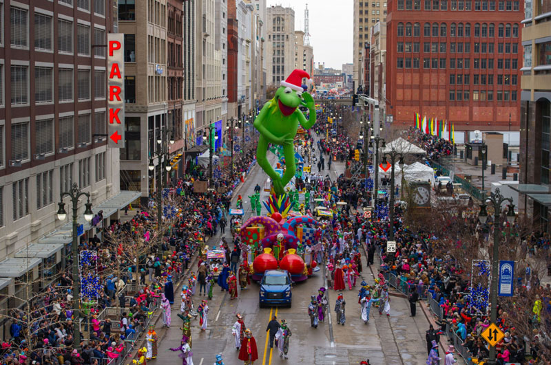 the thanksgiving day parade in detroit